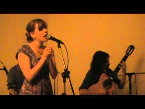 Dentrecasa – Amargo de caña (Ana Prada)